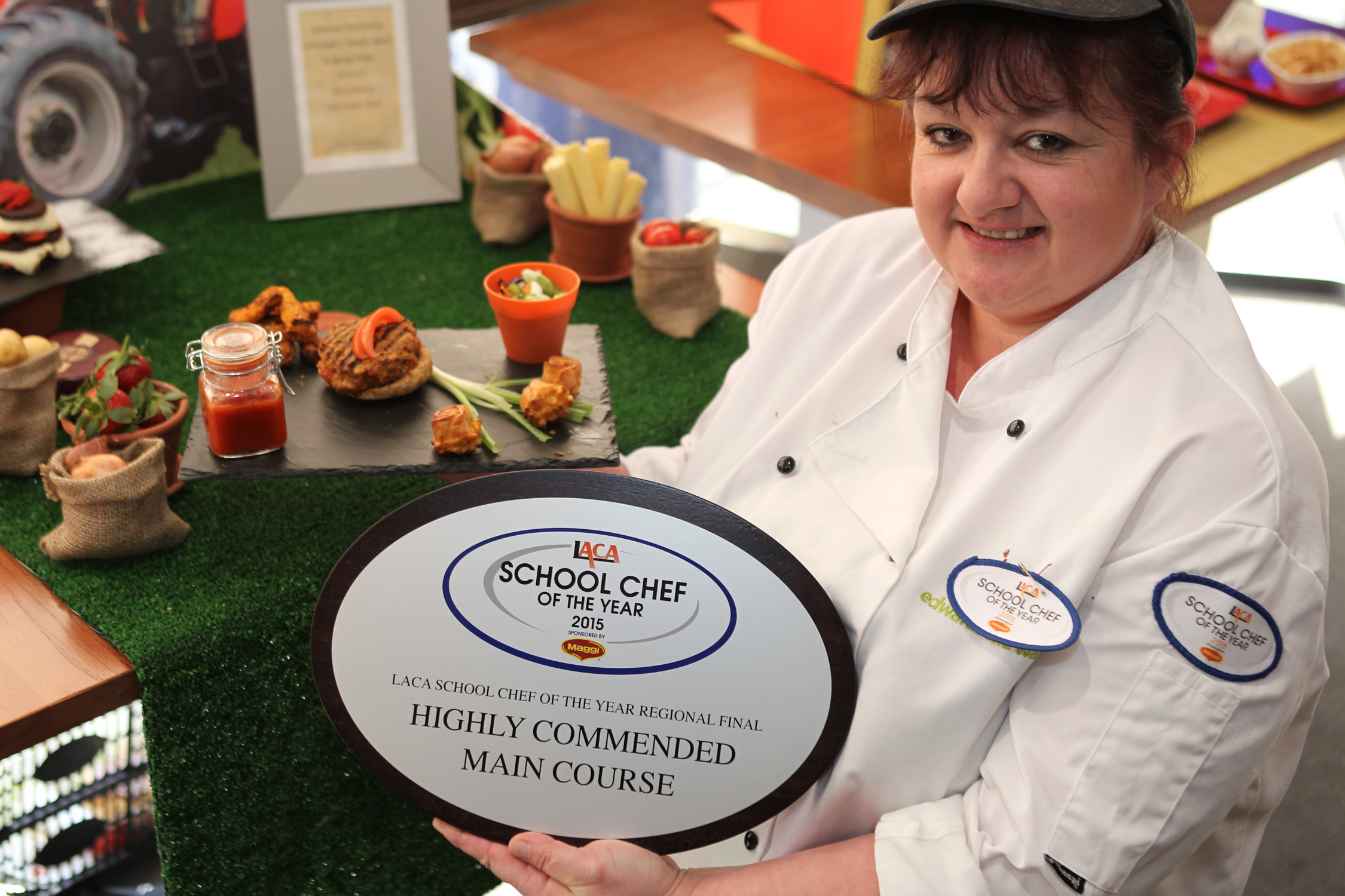 Cake Decorating Course Weston Super Mare : SCOTY 2015: South West regional final winner announced ...