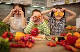 School children worried about being teased for eating fruit and vegetables